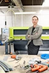 Karoline Beck, GF in.wendt GmbH fotografiert für das Unternehmer-Magazin